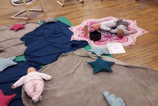 Amandine Ventadour consultante en parentalité - atelier massage bébé centre social lieusaint